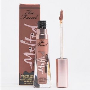 💋New Too Faced Melted Matte Lipstick Faking It💋